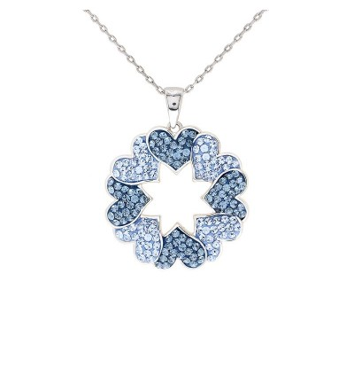 Beautiful Love Wreath Pendant With Crystals From Swarovski®